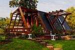 struttura in legno verniciato e protetto con impregnante e finitura cerosa all'acqua Plack