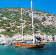 Barca a vela verniciata e protetta con vernici all'acqua per legno Plack