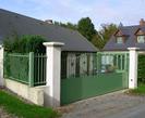 cancello verniciato e protetto con antiruggine all'acqua grigia e smalto all'acqua verde Plack